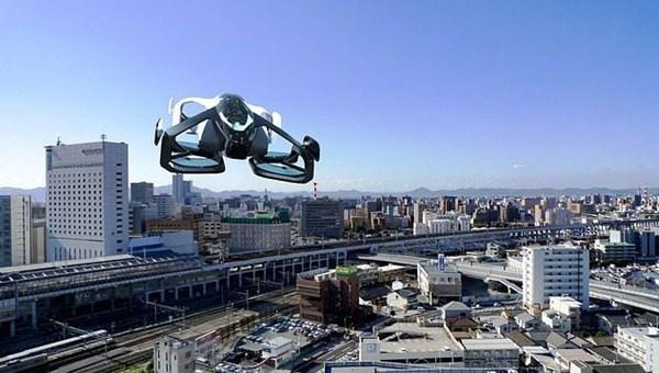 'Dünyanın en küçük uçan arabası' insanlı test uçuşlarına başladı