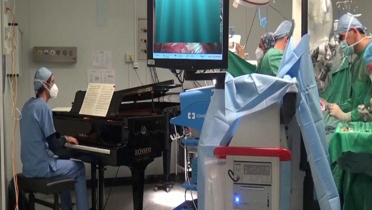 10 yaşındaki çocuğun ameliyatında sıradışı yöntem