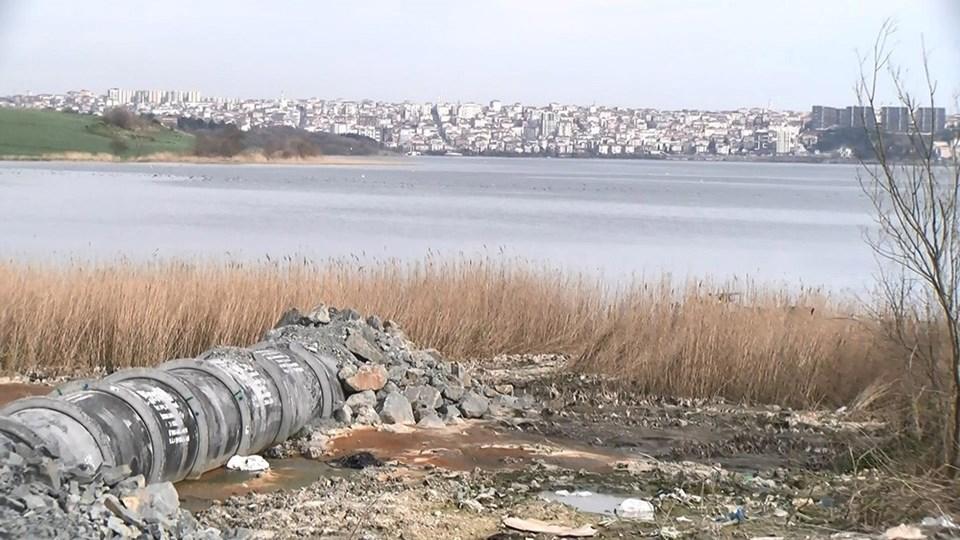 Firuzköy'de Küçükçekmece gölü