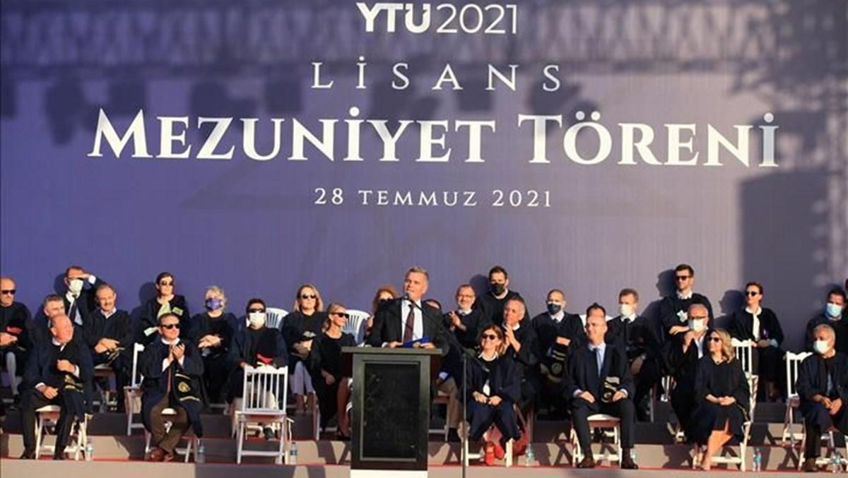 Turkcell Genel Müdürü Erkan, yeni mezunlarla bir araya geldi
