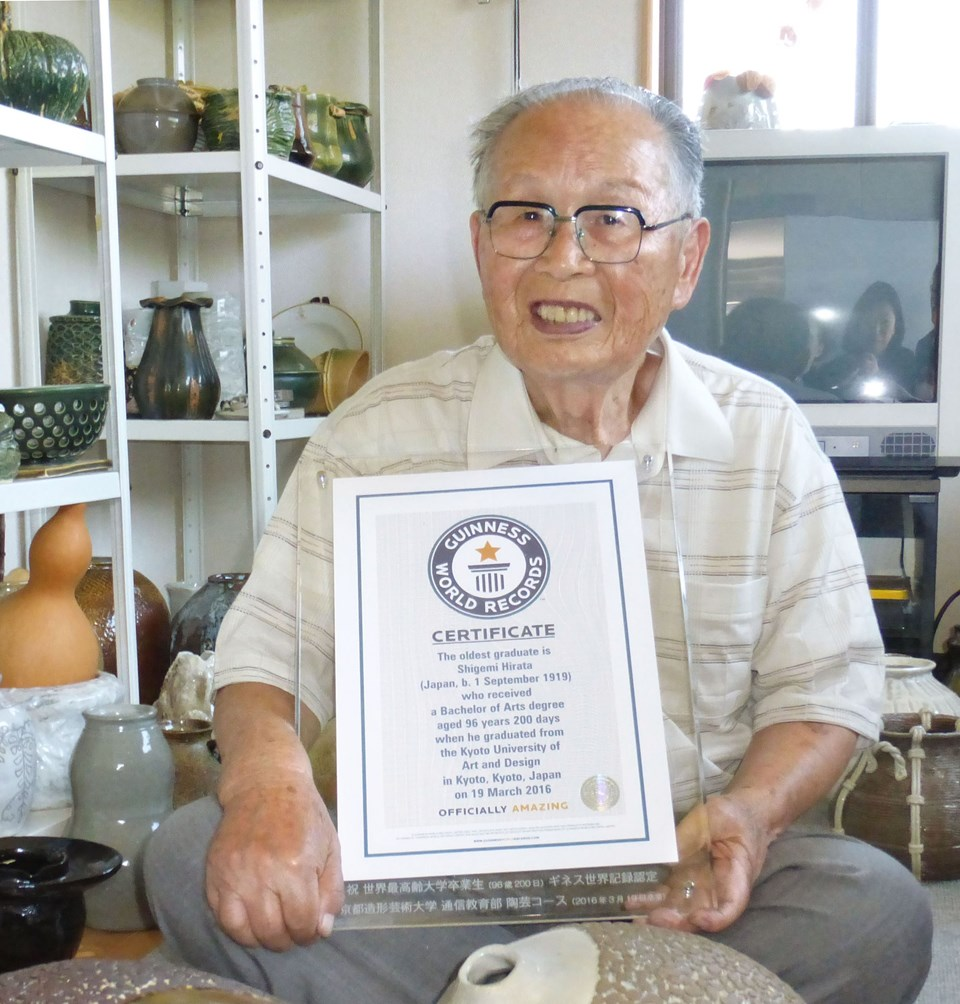 96 Yaşındaki Shigemi Hirata sertifikasıyla.