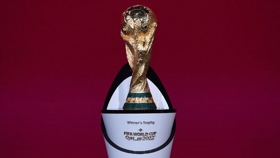 SON DAKİKA:FIFA Başkanı Infantino:2022 Dünya Kupası tamamen dolu statlarda oynanacak