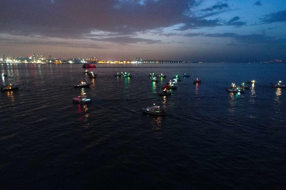 İstanbul Boğazı'nda balıkçıların zorlu mesaisi - 3
