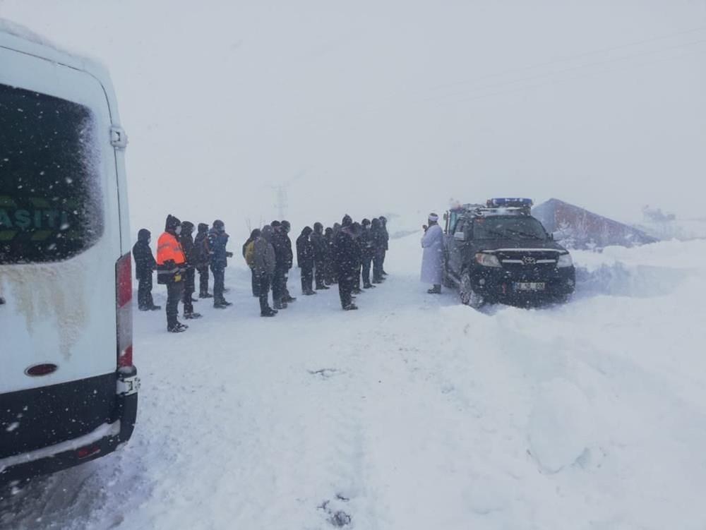 Yurtta kar yağışı (İzmir'in yüksek kesimlerinde kar yağışı etkili oluyor) - 8