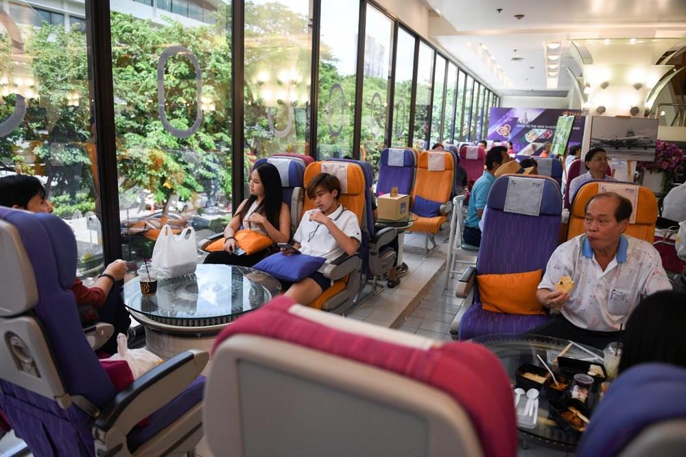 Uçak yemeklerini özleyenler için restoran açıldı - 1
