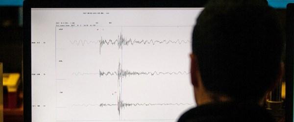 Peru'da 7.3 büyüklüğünde deprem (Tsunami uyarısı)