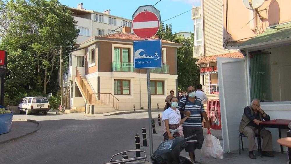 Tanda 'Lari dari tsunami' di Istanbul - 9