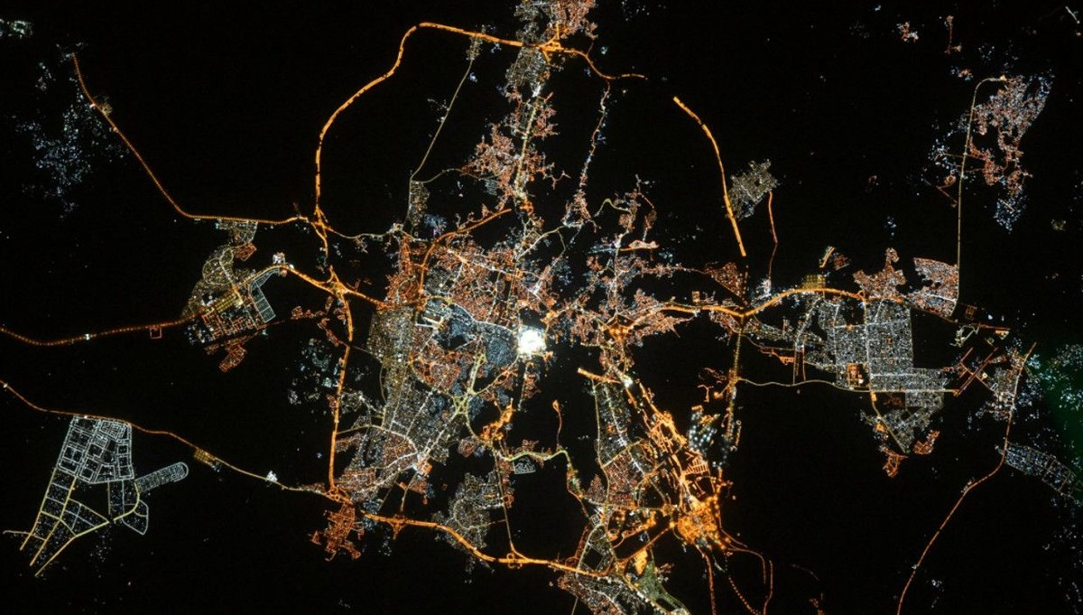 Fransız astronottan uzaydan