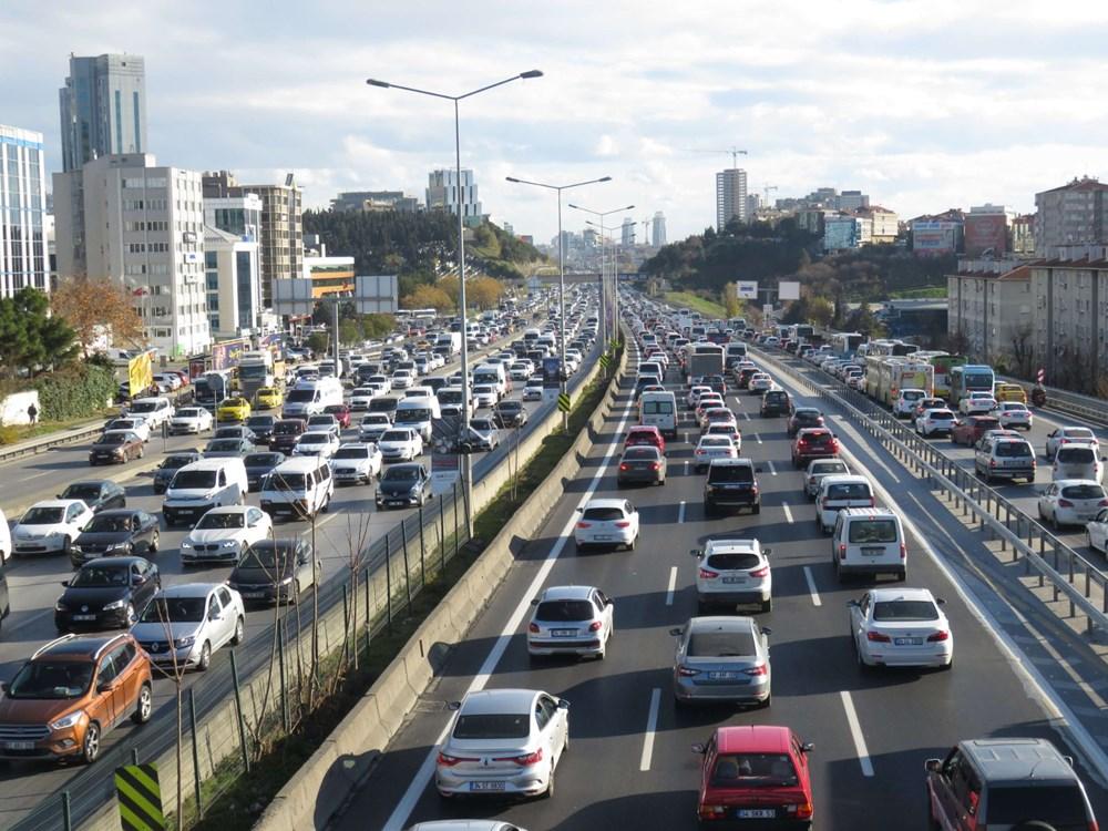 Hafta sonu kısıtlaması öncesi İstanbul trafiği kilit - 2