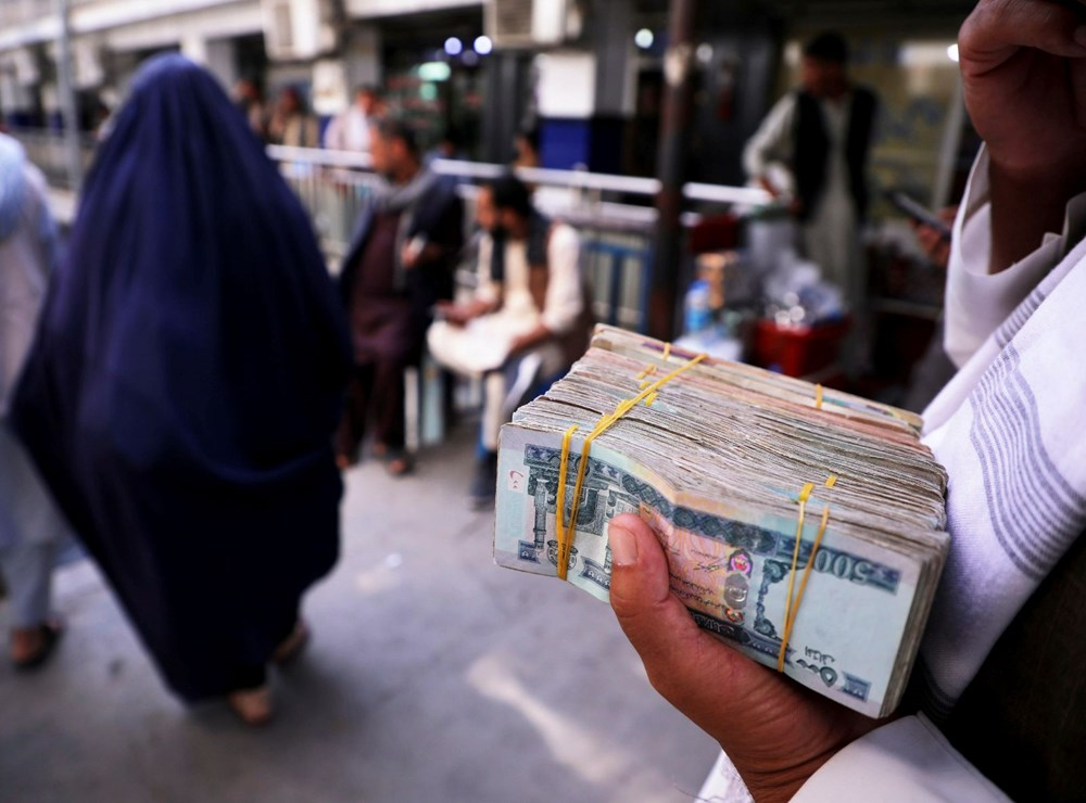Afganistan'da ekonomi çökmek üzere: Halkın sadece yüzde 5'i yeterli  yiyeceğe erişebiliyor - 2
