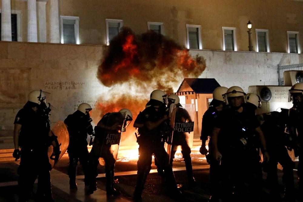 Atina'da aşı zorunluluğuna karşı düzenlenen protesto çatışmaya dönüştü: En az 25 gözaltı - 4