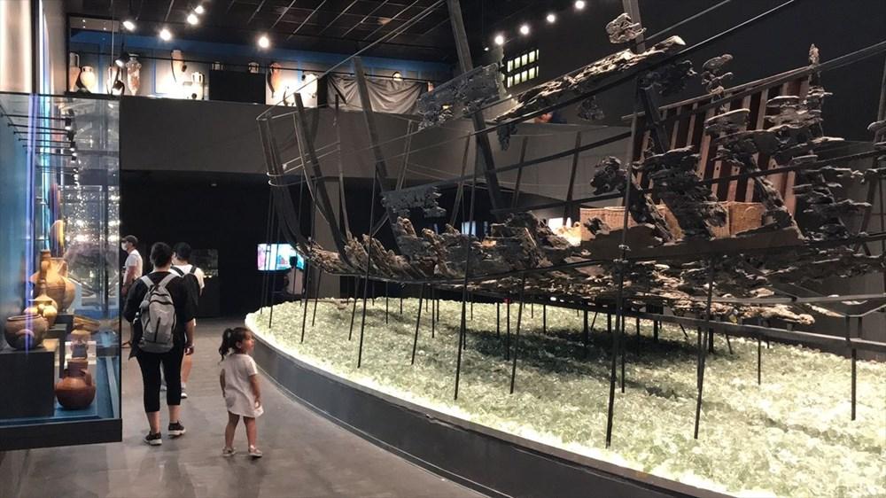 Doğu'dan Batı'ya uzanan deniz ticaretinin izleri cam batıkta - 9