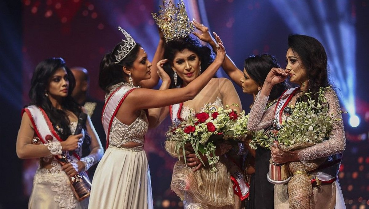 Sri Lanka Güzellik yarışmasında taç skandalı