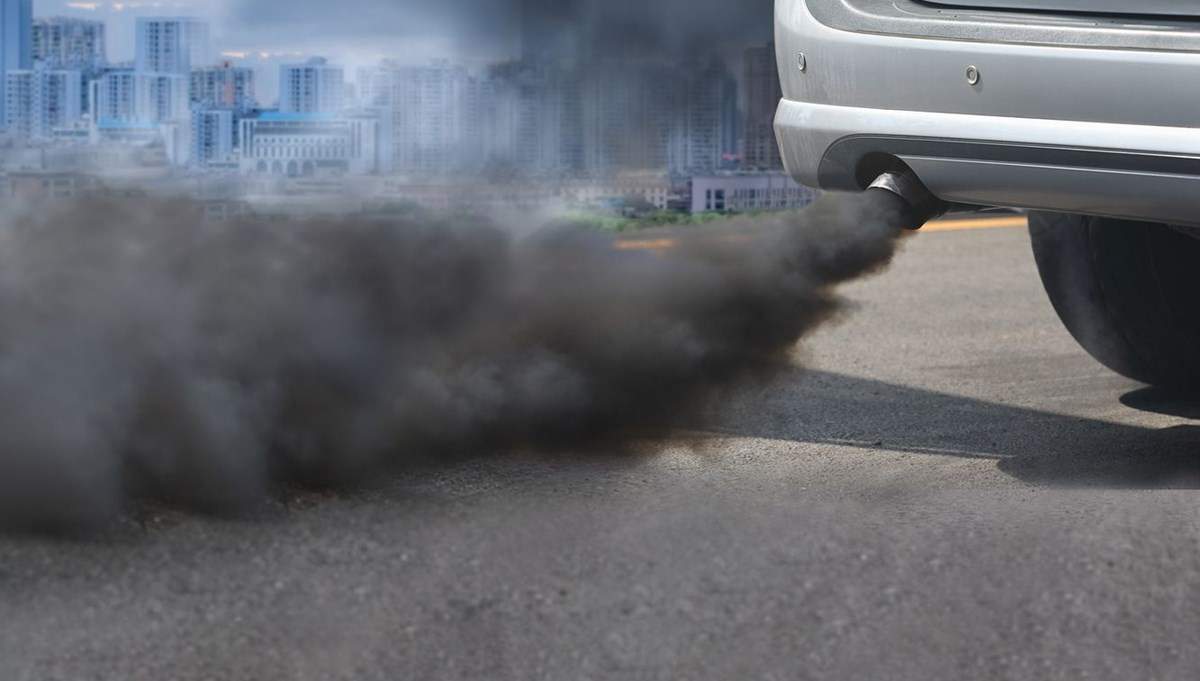 EU aims to ban fossil fuel vehicles by 2035