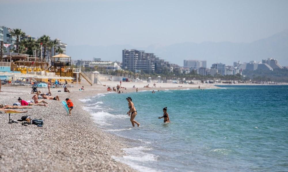 Kısıtlamadan muaf turistlerin deniz keyfi - 2
