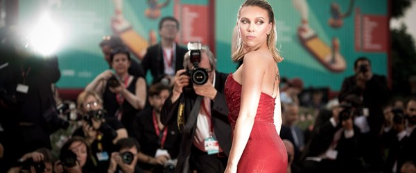 Scarlett Johansson'dan tacizle suçlanan Woody Allen'a destek
