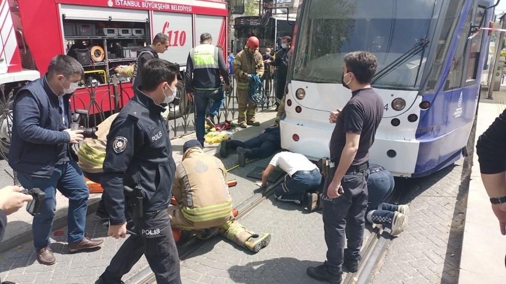 İstanbul'da bir kişi tramvayın altında kaldı - 5