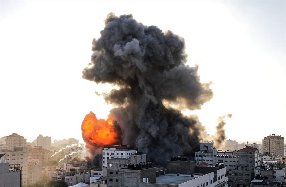 İsrail, Gazze'de sivillerin bulunduğu 14 katlı binayı vurdu - 6