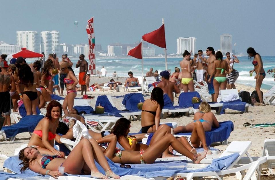 Karayip Denizi'nin kıyısındaki Cancun,plajları ve gece hayatıyla ön plana çıkıyor.