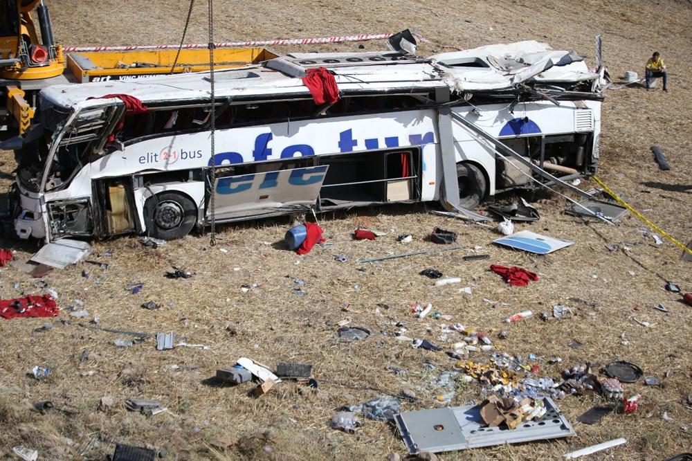 Balıkesir'de yolcu otobüsü devrildi: 15 kişi hayatını kaybetti - 41