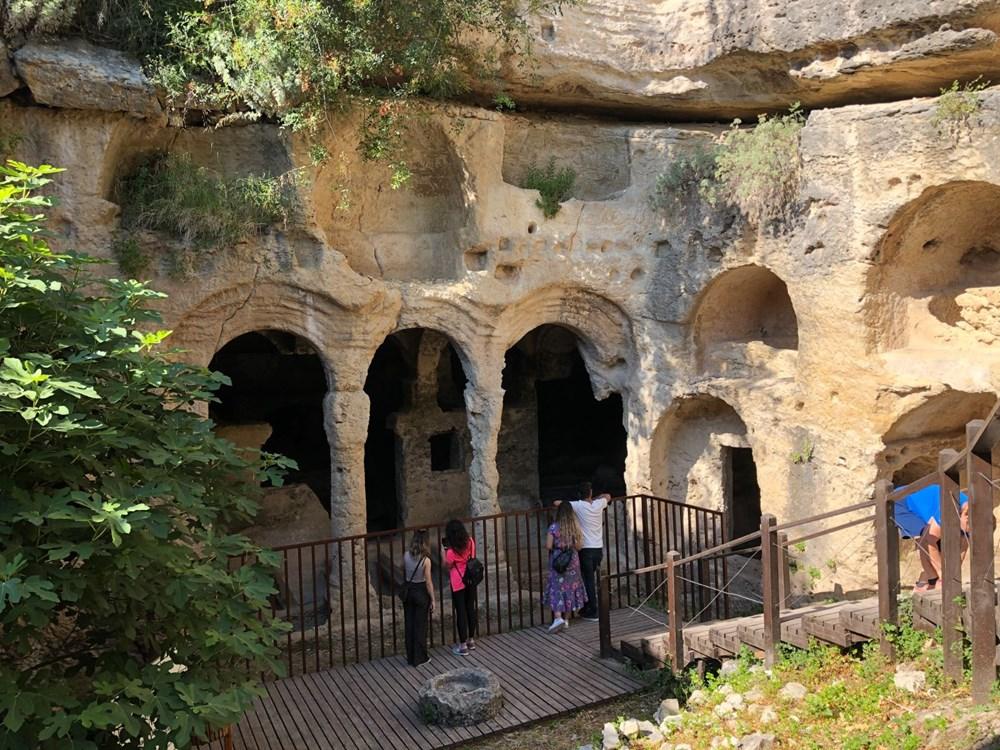 Antik dönemin mühendislik harikası: Bin esire yaptırılan 'Titus Tüneli'ne turist akını - 4