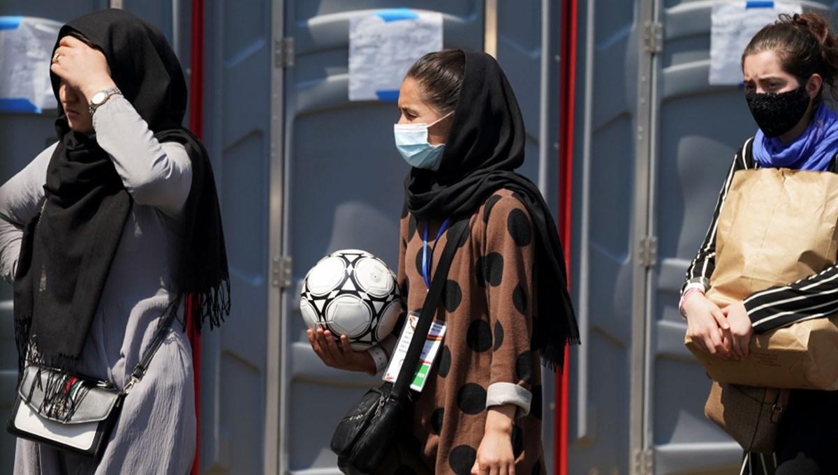 Afgan kadın genç futbol takımı Pakistan'a ulaştı