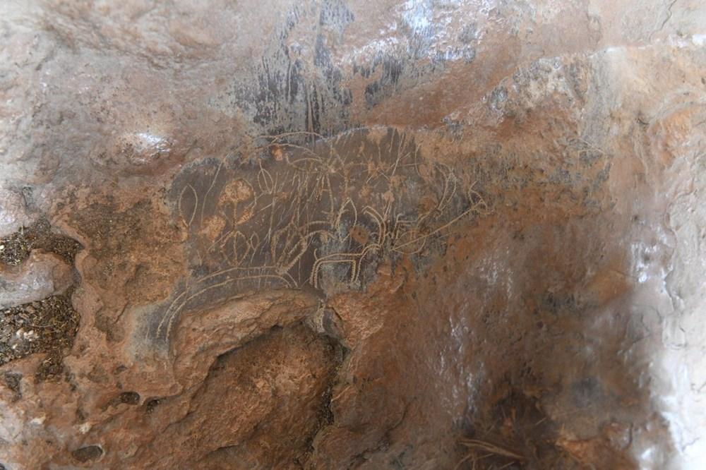 Mersin'de bir mağarada bulunan 8 bin yıllık kaya resimleri koruma altına alınıyor - 7
