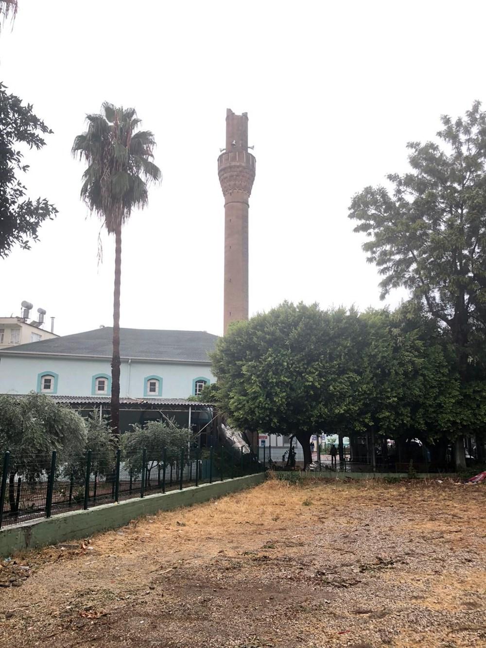 Antalya Kumluca'da kuvvetli rüzgar ve dolu: 1 ölü - 2