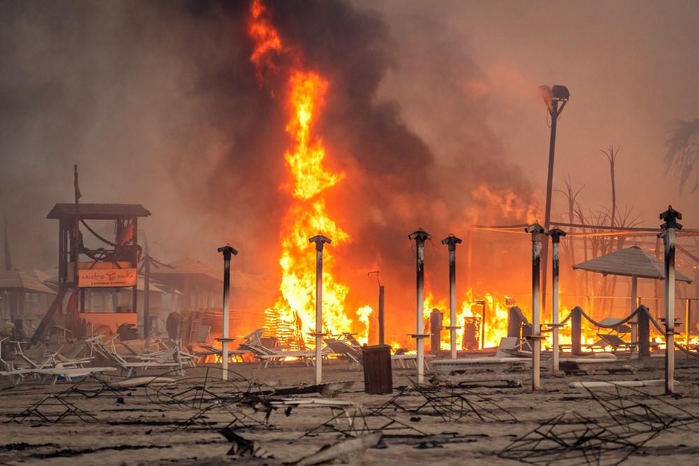 İtalya'da yangın: Sicilya Adası alevlere teslim oldu - 3