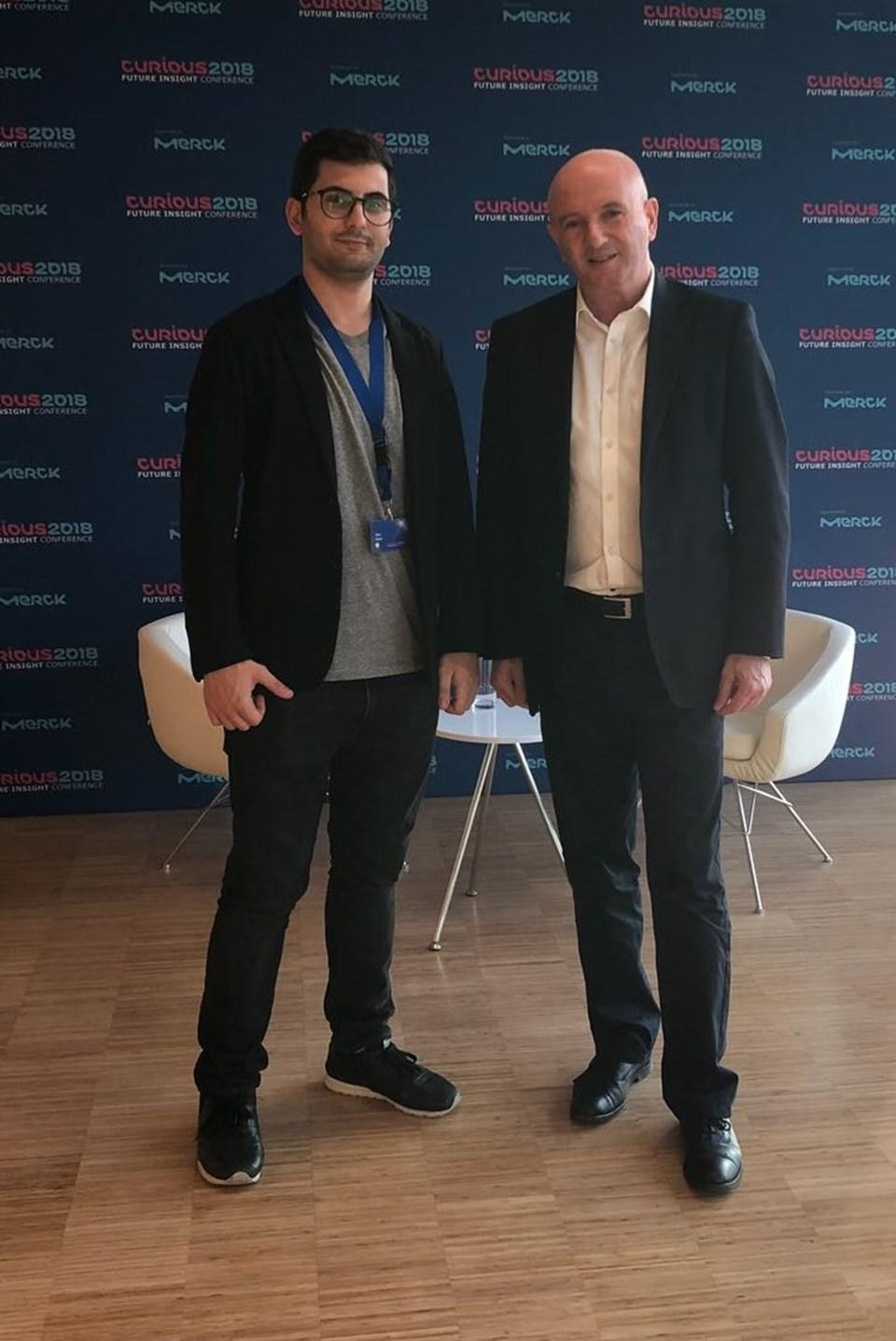 Profesör Daniel Zajfman (sağda), 'Curious 2018 Future Insight' isimli bilimsel merak ve gelecek temalı konferansta bilimsel gelişmelerin geleceği konusunda bir konuşma yaptı.