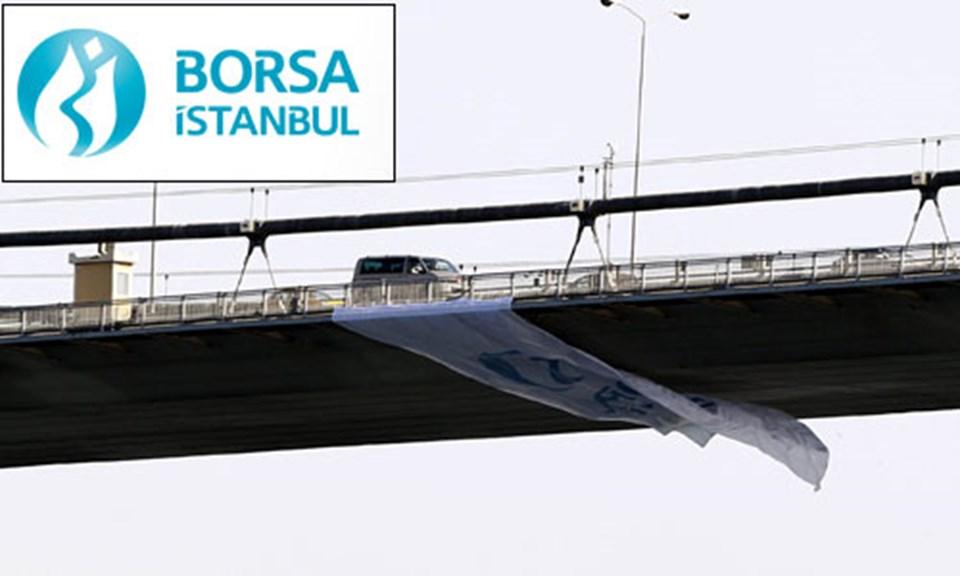 Borsa İstanbul'un lale figürlü yeni logosu Boğaziçi Köprüsü'ne de asıldı.