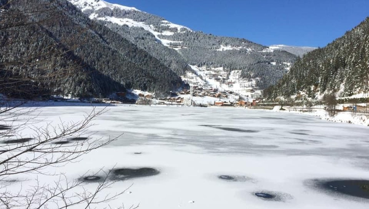 Uzungöl, which was covered with white cover, kept ice