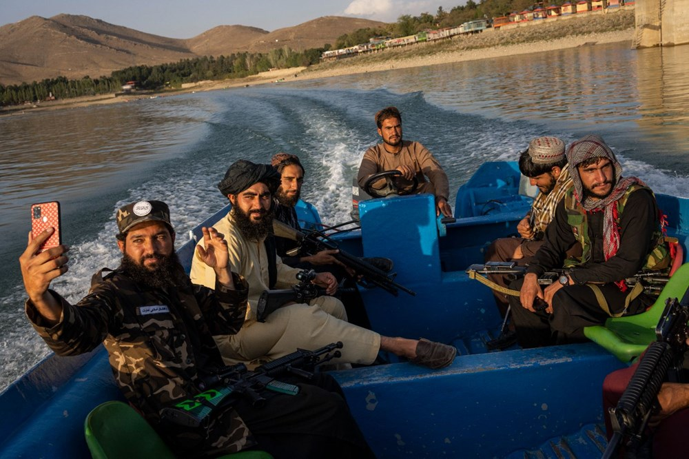 Taliban askerlerine uyarı: Selfie çekmeyi bırakın, işinize dönün - 3