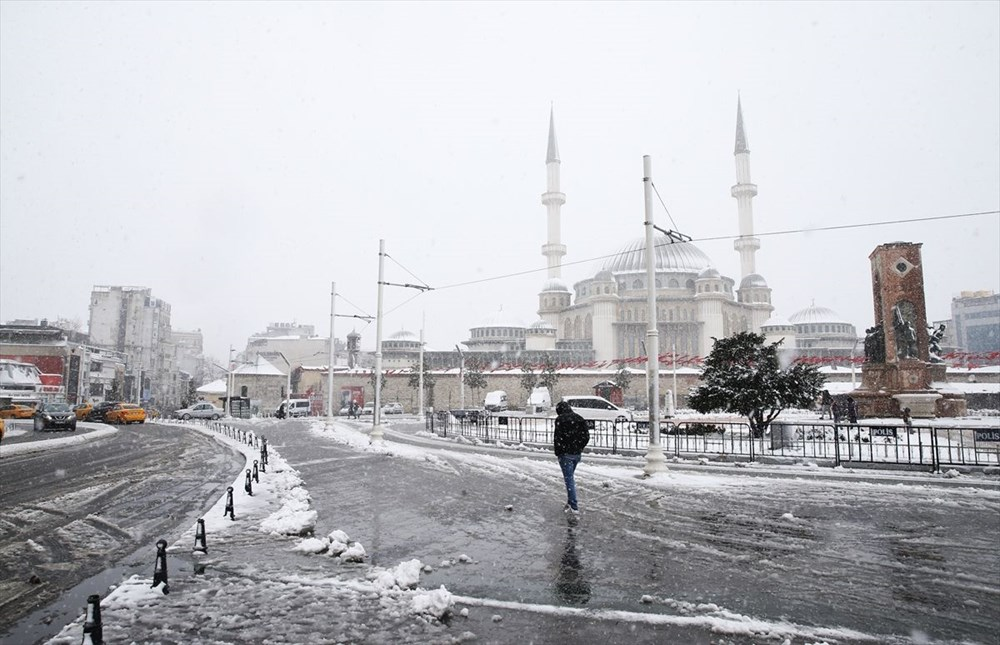 İstanbul'da kar yağışı devam ediyor - 29