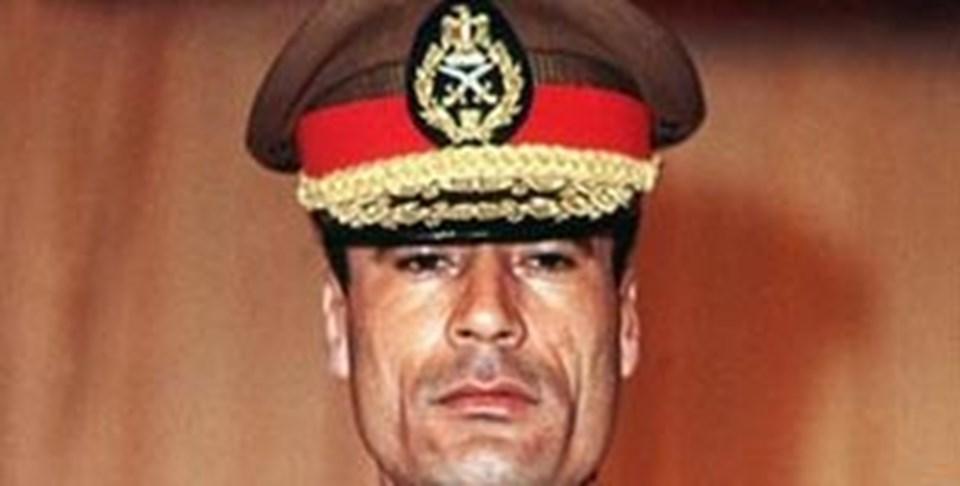 Muammer Kaddafi 1969'da yeni fikirlerle dolu genç bir subaydı