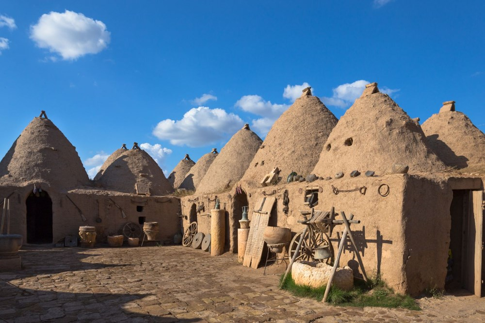 Harran's historical cupolas with their unique architecture - 1