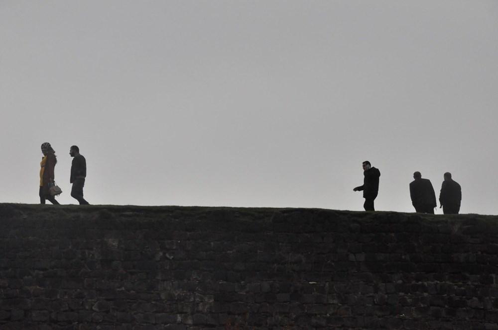 Diyarbakır'da corona virüs ve düşme riskine rağmen surlarda fotoğraf çekiyorlar - 4