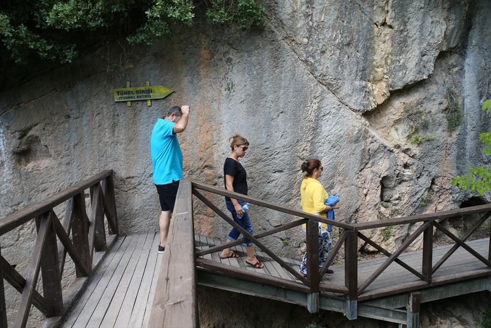 Antik dönemin mühendislik harikası: Bin esire yaptırılan 'Titus Tüneli'ne turist akını - 24