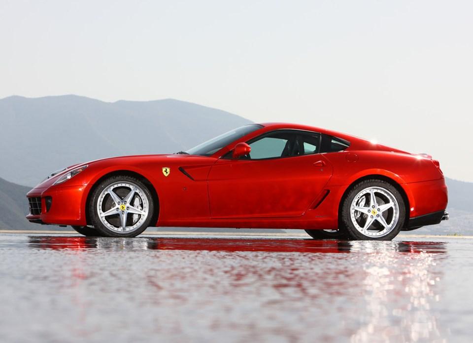 2009 model Ferrari 599 GTB Fiorano HGTE