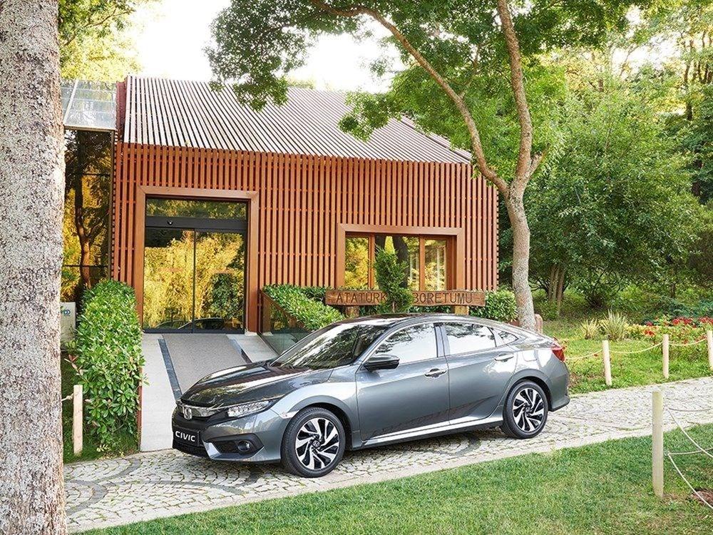 2021'in en çok satan araba modelleri (Hangi otomobil markası kaç adet sattı?) - 36