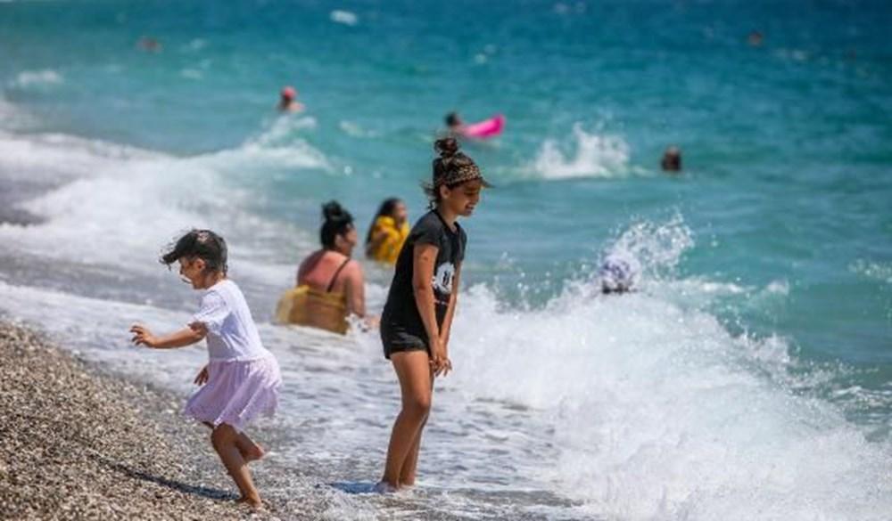 Tam kapanma bitti: Antalyalılar sahile akın etti - 13