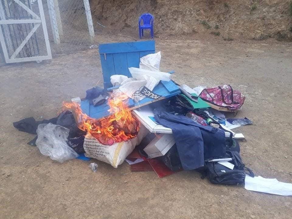Karakolda bırakılan eşyalar da yakıldı