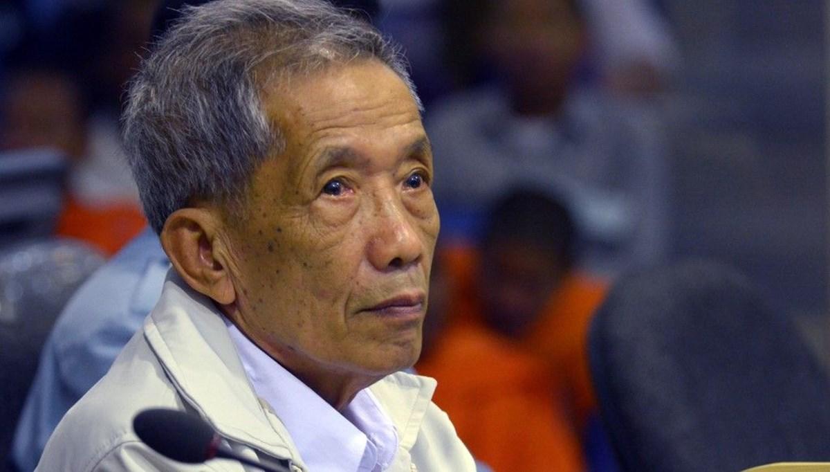 Kamboçya'da Kızıl Kmerler'in işkenceci cezaevi müdürü öldü