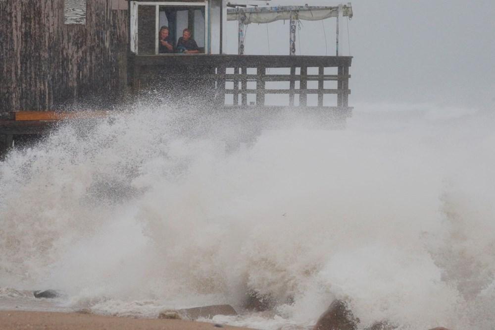 ABD'de Henri Kasırgası etkili oluyor: 140 bin haneye elektrik verilemiyor - 5