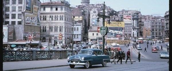 Sessiz sokaklar eski İstanbul'u hatırlattı (İstanbul 1965'te nasıldı?)
