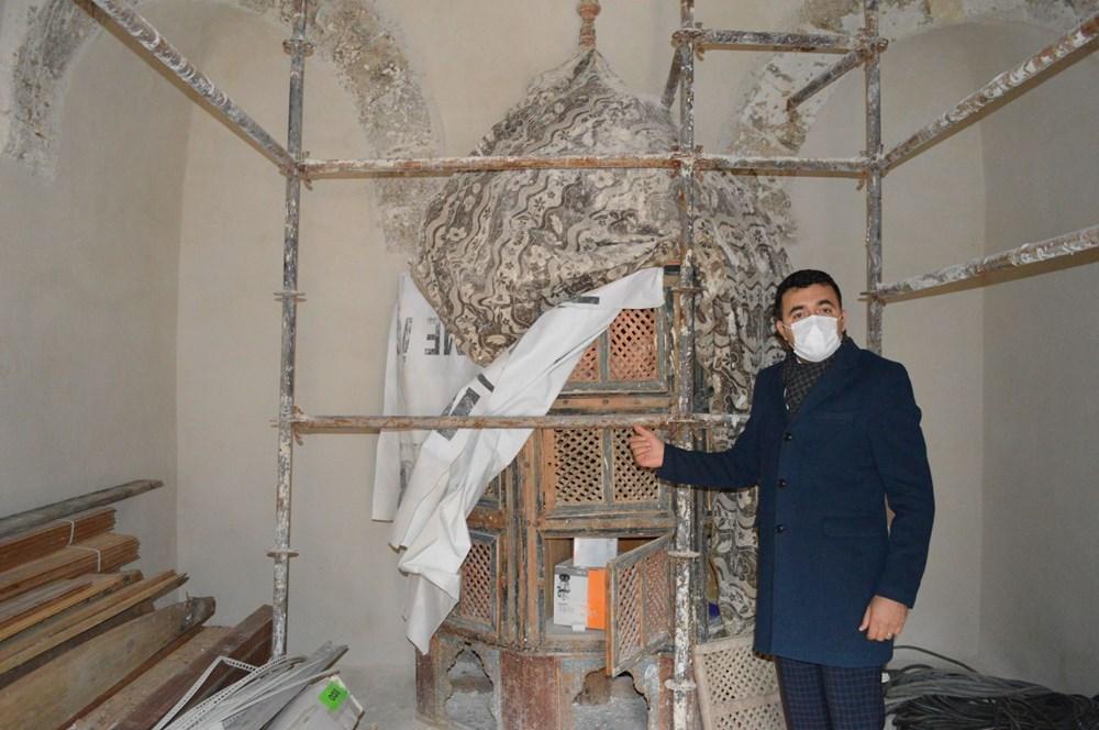 Tarihi camideki restorasyonda Osmanlı motifleri ortaya çıktı - 6