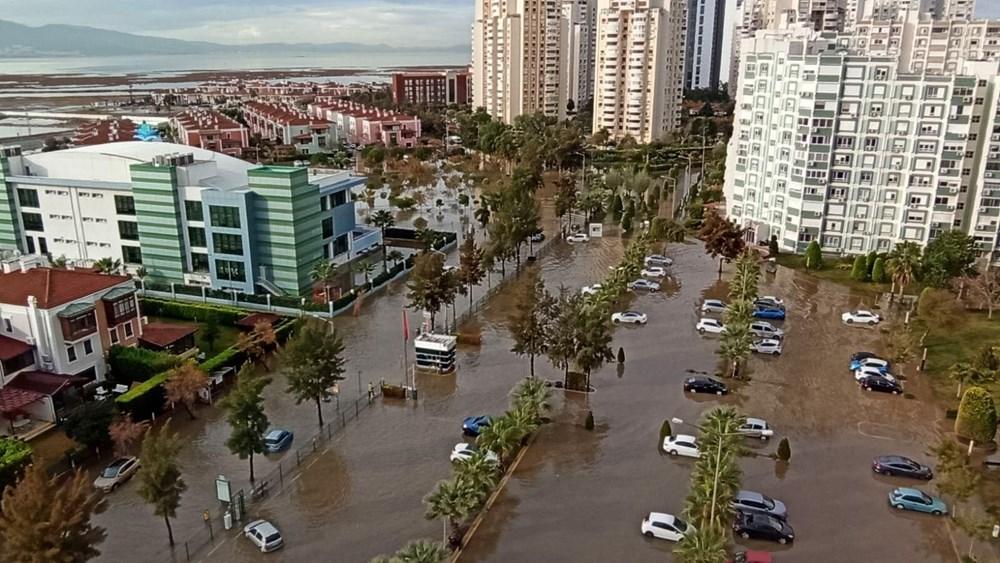 İzmir'de yağışın ardından deniz taştı: 1 kişinin cansız bedenine ulaşıldı - 2