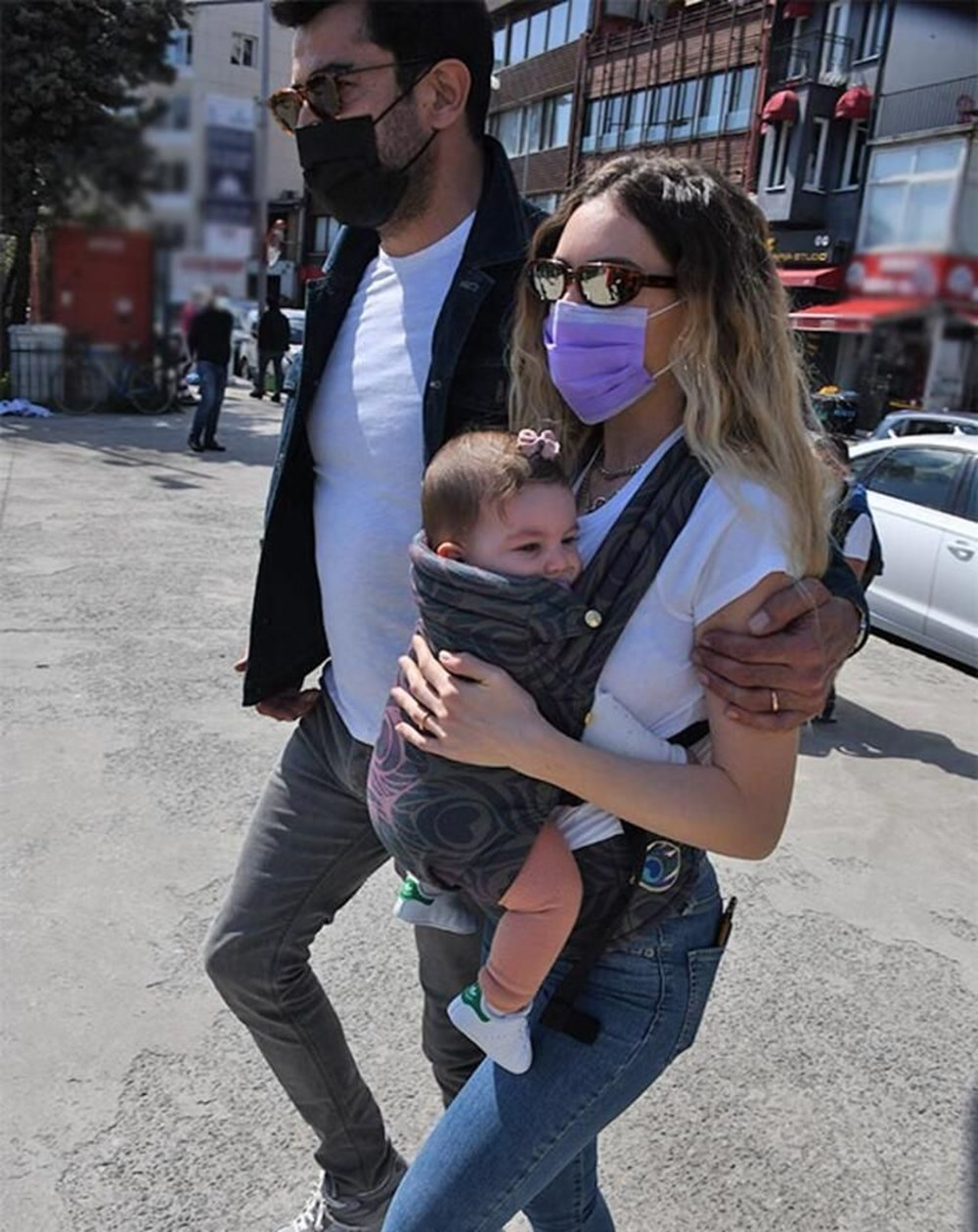 Kenan İmirzalıoğlu ile Sinem Kobal'ın kızları Lalin ile Boğaz keyfi - 1