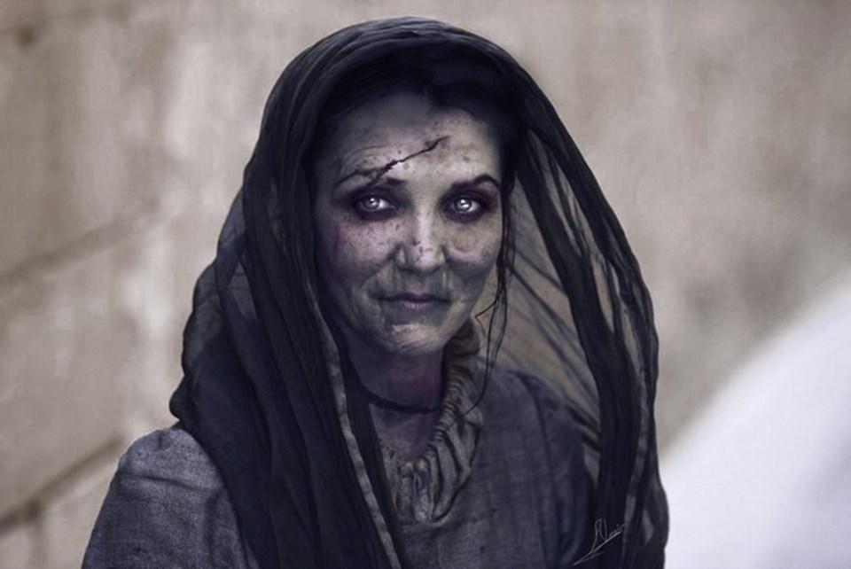Dizinin hayranlarının 5'inci sezonda ortaya çıkmasını bekledikleri 'Lady Stoneheart'a ait olduğu belirtilen bu görselin dizinin setinden sızdırıldığı iddia ediliyor.