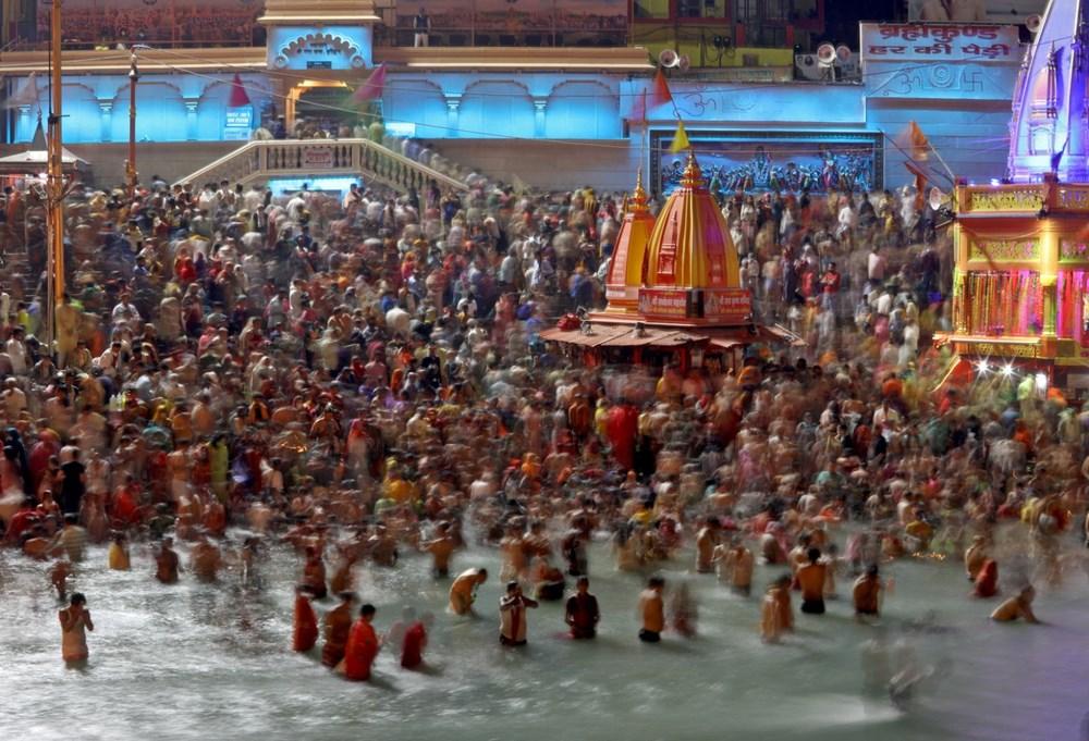 Hacılar Ganj Nehri'nde yıkandı: Hindistan'da günlük vaka sayısı rekor kırdı - 6